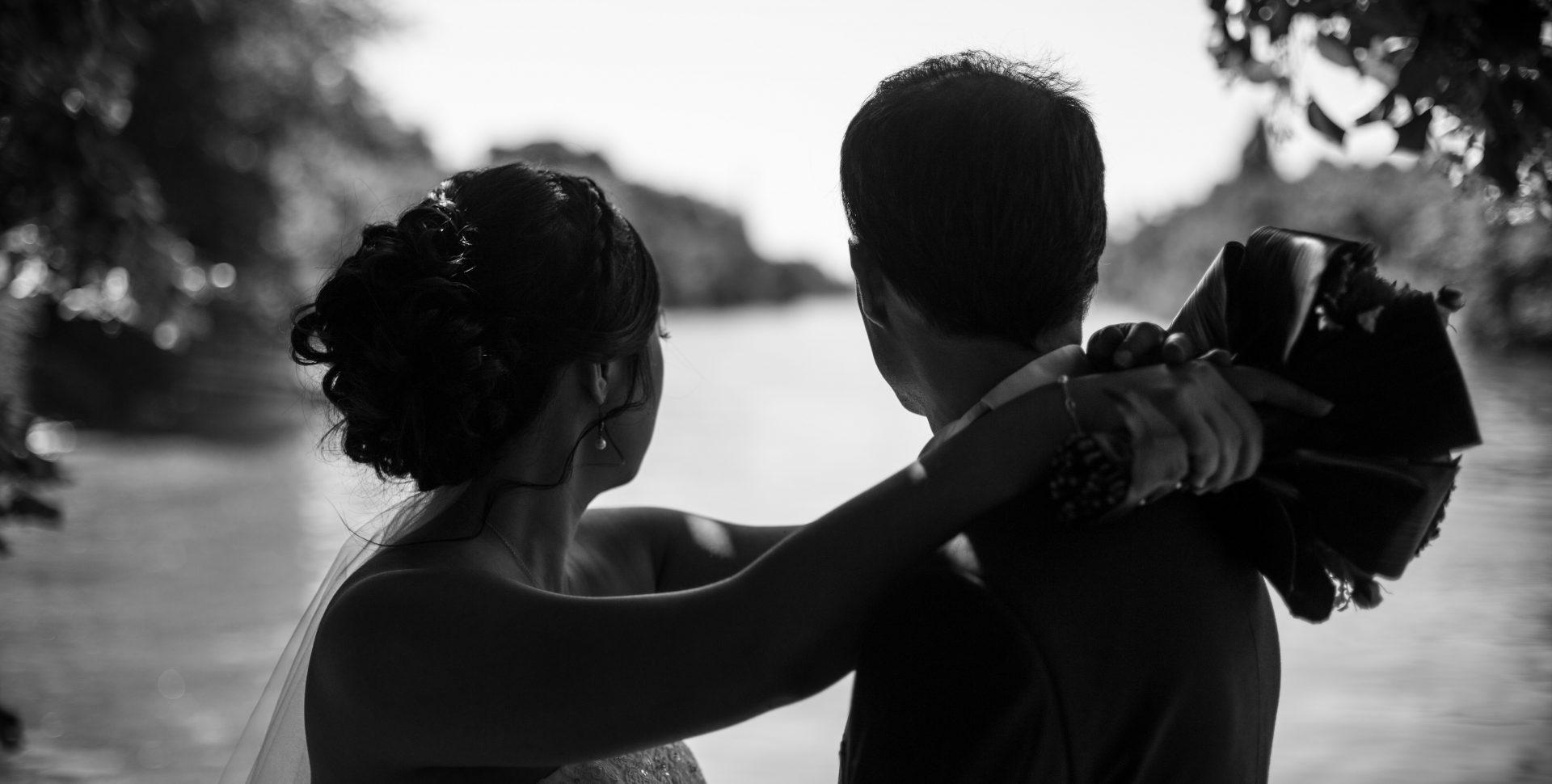 Faustine Joly Photographe mariage photos couple noir et blanc